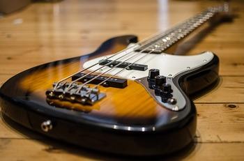 bass-913092_640.jpg