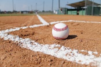 baseball-field-1563858_640.jpg