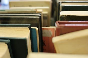 books-1517104_640.jpg